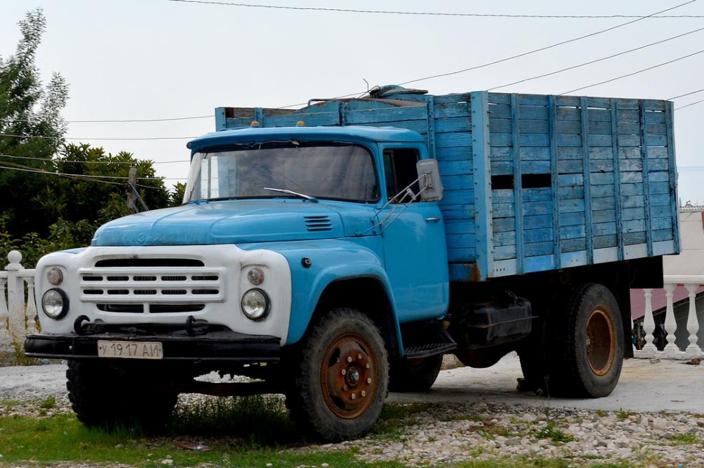 Последний автомобиль зил сошел с конвейера в году купить мебельный транспортер для перемещения мебели и тяжелых предметов в леруа мерлен